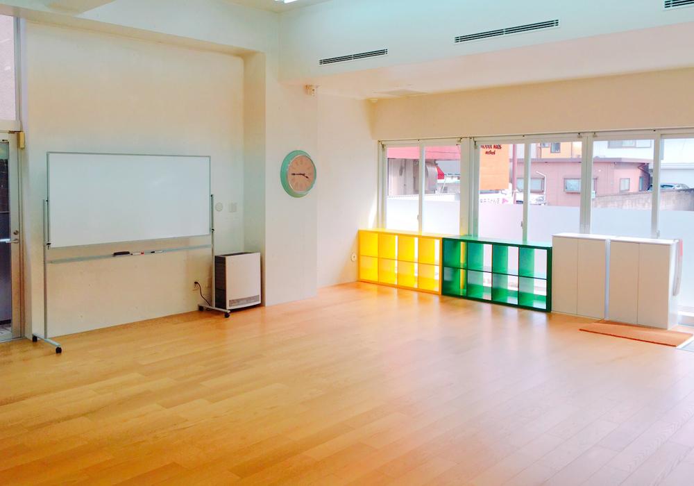 バランス力と体幹を鍛える、大型遊具「トランポリン」が桜通り店に新登場!・画像