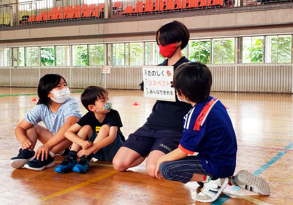 「タグラグビー」から学ぶリスペクト!バルサFUTBOLNETプログラム@新下栗店・画像